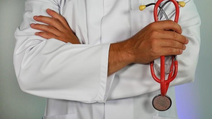 Nel 2026 mancheranno 100mila medici e 60mila infermieri