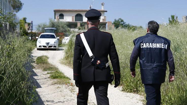 La Spezia, abusi su una bimba di 10 anni: arrestato il vicino di casa
