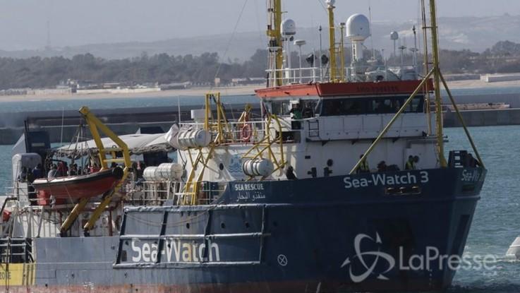 Sea Watch, trattative con l'Ue per accogliere i migranti. Cinque paesi disponibili