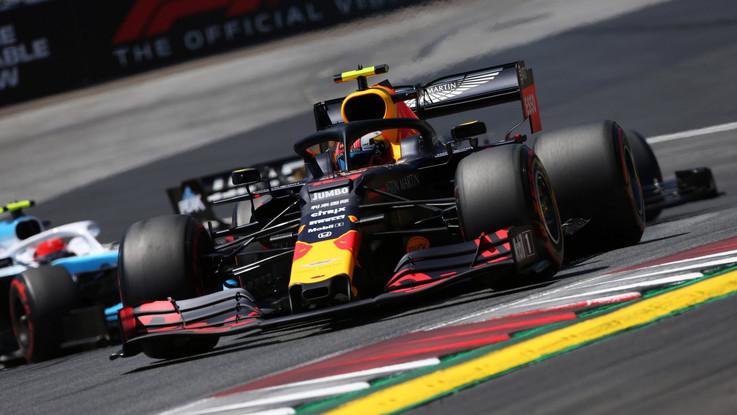 F1, Gp Austria: Verstappen vince davanti a Leclerc, i giudici confermano la vittoria