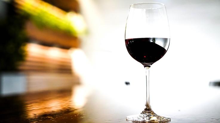 Alcolismo: in Italia oltre 8 milioni di consumatori a rischio patologico