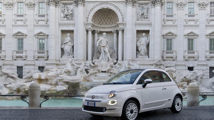 Fiat 500 festeggia il compleanno: ecco la serie speciale 'Dolcevita'