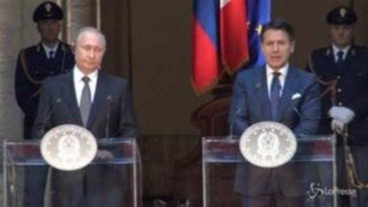 """Libia, Conte: """"Con Putin d'accordo su cessate il fuoco"""""""
