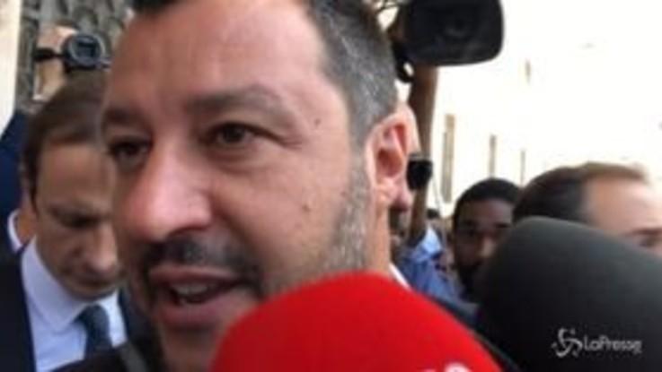 Salvini a Trieste tra contestazioni e selfie con i sostenitori