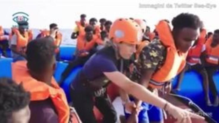 Alan Kurdi, le immagini del salvataggio dei migranti di venerdì