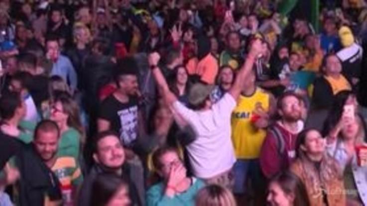 Coppa America, la gioia dei tifosi brasiliani dopo la vittoria sul Perù