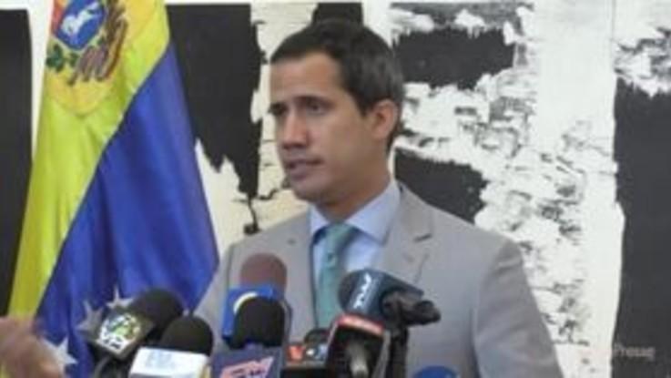 Venezuela, Guaidó apre a trattativa con Maduro