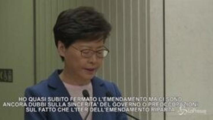 """Hong Kong, Lam: """"Legge sull'estradizione è morta"""""""