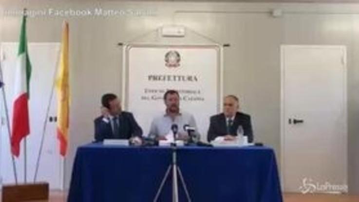 """Salvini alla chiusura del Cara di Mineo: """"Recuperiamo personale che aiuterà sul territorio"""""""