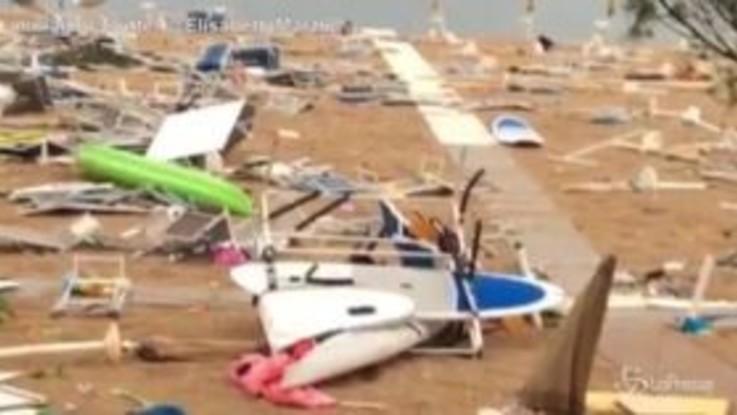 Il maltempo flagella la costa adriatica: devastata la spiaggia di Numana