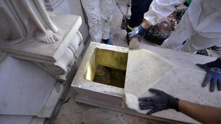 Caso Orlandi, aperte le tombe del cimitero teutonico: sono vuote