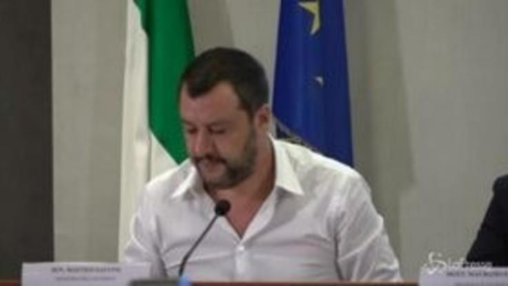 """Lega, Salvini: """"Commissione inchiesta su finanziamenti? Facciamone anche 7 o 8"""""""