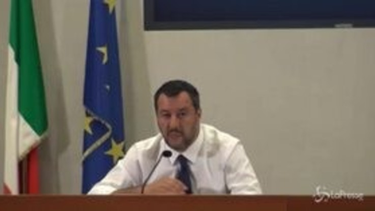 """Fondi russi a Lega, Salvini: """"Gli italiani sono stufi, non parlo di spie russe"""""""