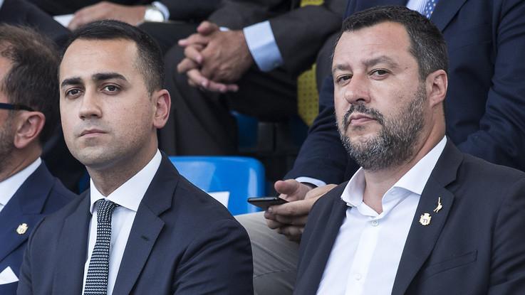 """Salvini e Di Maio frenano sulla crisi. Il leader leghista: """"Piena fiducia in Luigi"""". Il pentastellato: """"Escludo una crisi ma serve chiarimento"""""""