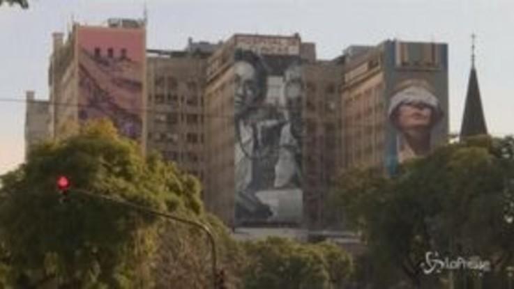 Argentina, i murales commemorano i 25 anni della strage del centro ebraico Amia