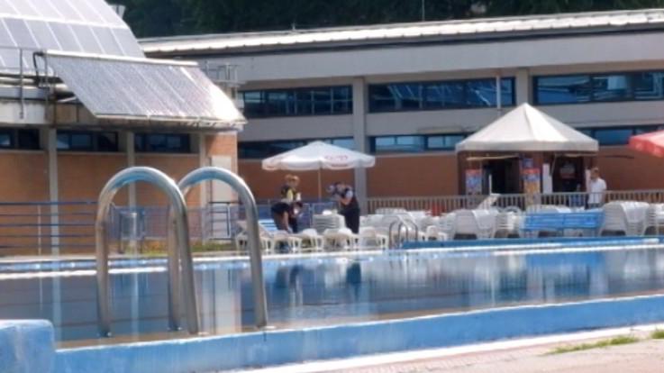 """28enne trovato morto in una piscina a Milano, l'amico: """"Era uscito con la ragazza"""""""