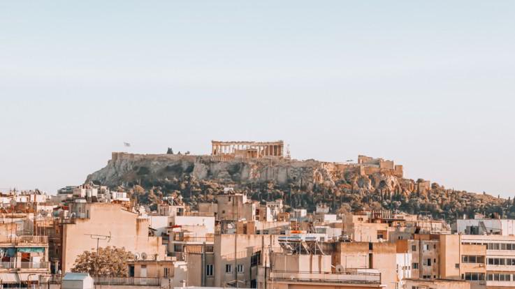 Paura ad Atene, terremoto di magnitudo 5.1: interrotte le linee telefoniche