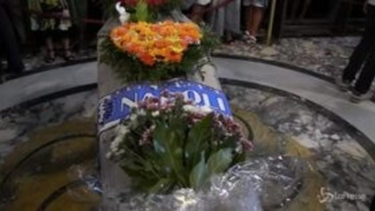 Funerali De Crescenzo, il saluto di Marisa Laurito e della moglie Gilda