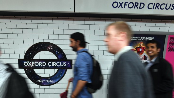 Londra, gas lacrimogeni in metropolitana: è caccia a 2 uomini