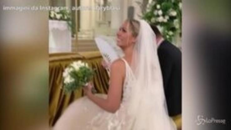 """Il prete interroga Totti al matrimonio della cognata. Il campione: """"Siamo su Scherzi a parte?"""""""