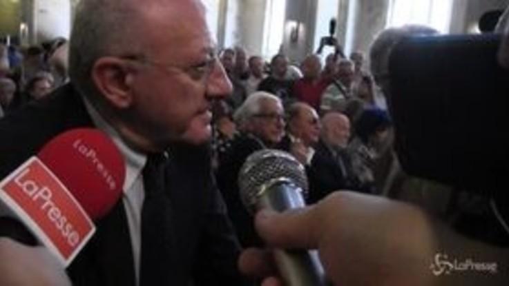 """Funerali De Crescenzo, De Luca: """"Ha avuto l'affetto e il rispetto di tutta Italia"""""""