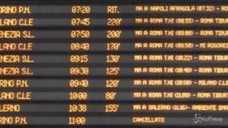 Caos treni, a Napoli ritardi fino a quattro ore