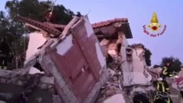 Isola d'Elba, esplode una palazzina: un morto e un disperso vdf