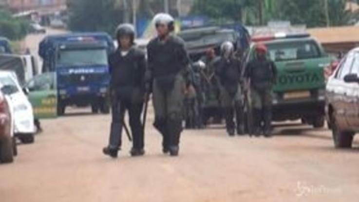 Camerun, le forze di sicurezza reprimono una rivolta in carcere
