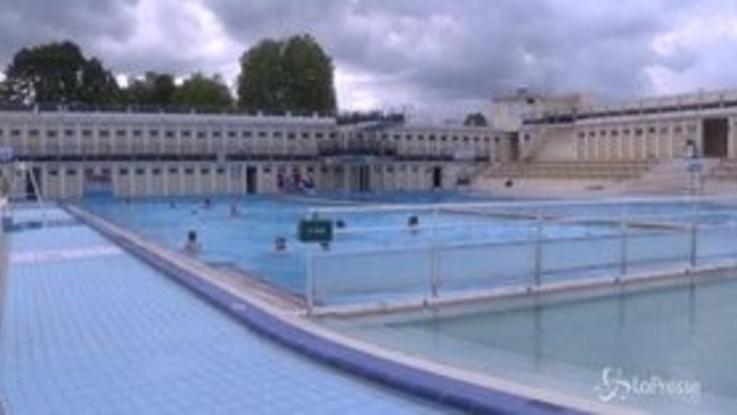 Francia, l'ex miniera diventa una piscina art-deco