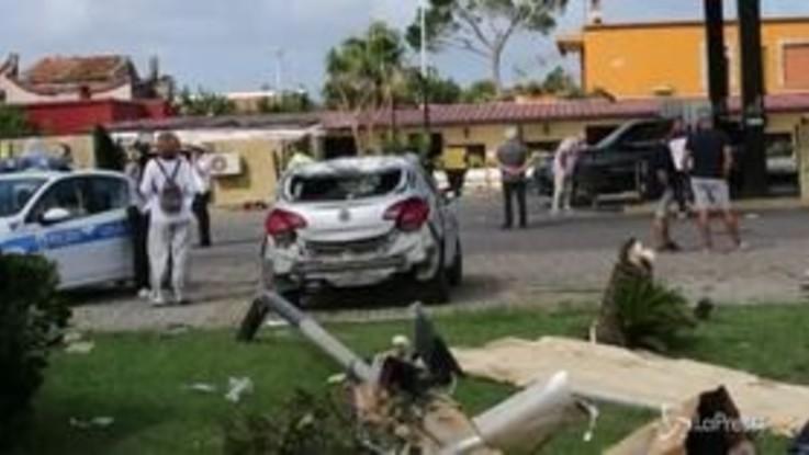 Alberi spezzati e auto distrutte: i danni del maltempo a Fiumicino
