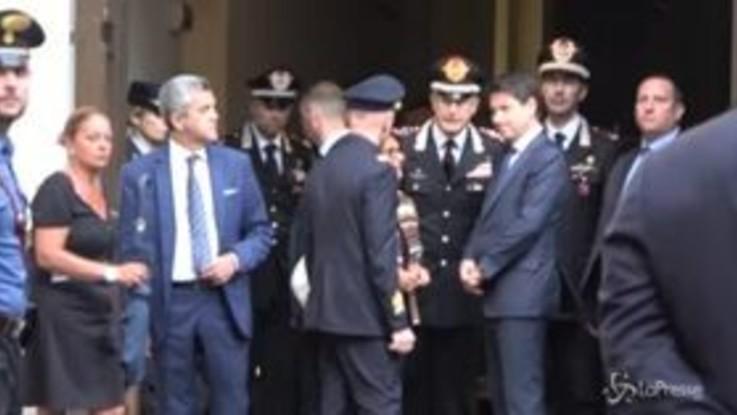 """Carabiniere ucciso, Conte alla camera ardente: """"Ora è il momento della commozione"""""""