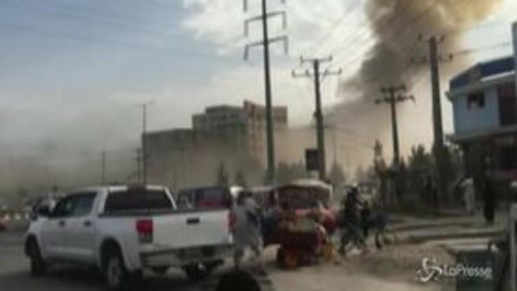 Venti morti e 50 feriti in un attentato in Afghanistan