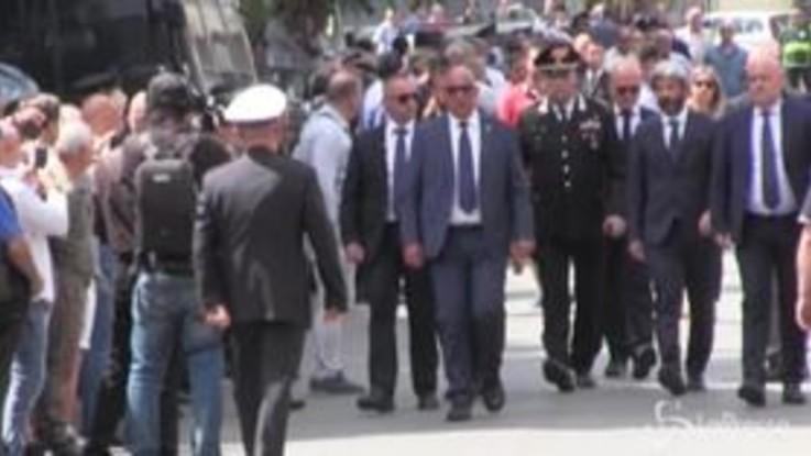 Carabiniere ucciso, l'arrivo di Roberto Fico ai funerali
