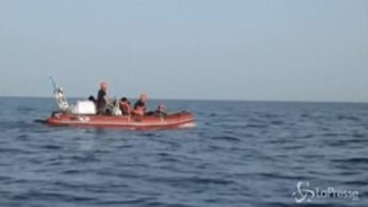 "Migranti, nave Alan Kurdi: ""Non li riporteremo in Libia"""