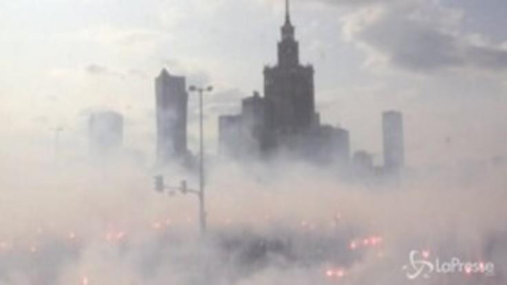 Slogan antifascisti e pro democrazia, la Polonia ricorda i 75 anni della Rivolta di Varsavia
