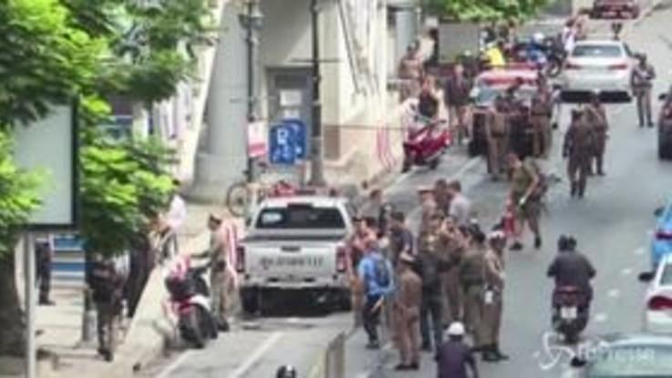 Esplosioni a Bangkok durante il vertice internazionale: tre feriti