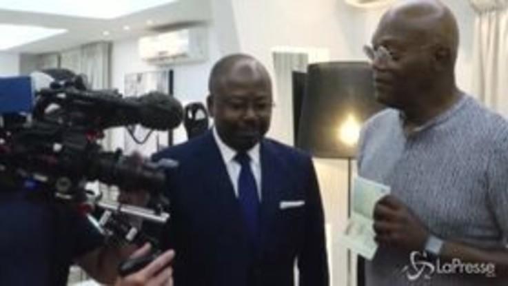 Samuel L. Jackson riceve il passaporto del Gabon