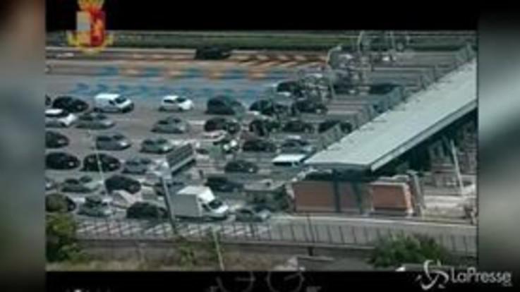 Traffico, lunghe code sull'A14: le immagini aeree