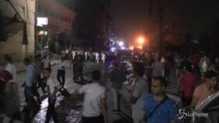 """Esplosione davanti a un ospedale al Cairo, 20 morti. Al-Sisi: """"E' terrorismo"""""""