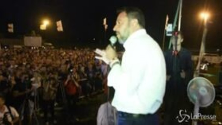 Salvini: se per i giornalisti il problema sono io e non una fottutissima zingaraccia