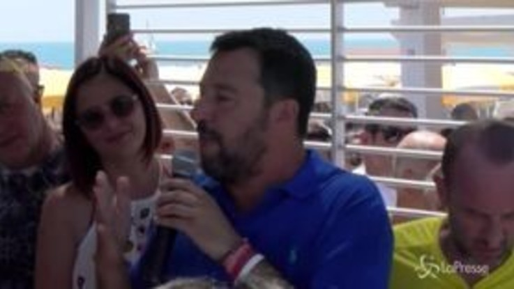 """Salvini alle ong: """"Non siamo il campo profughi d'Europa"""""""
