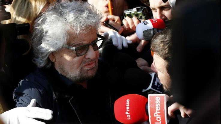 """Beppe Grillo torna in campo: """"Altro che elezioni, bisogna salvare l'Italia dai barbari"""""""