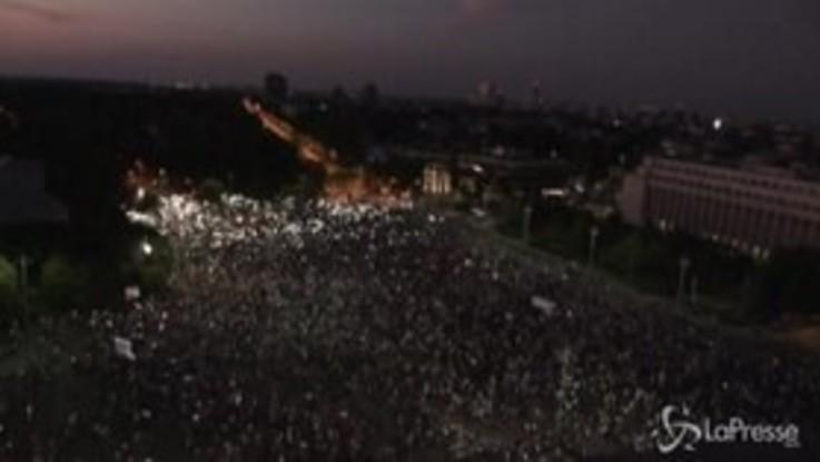 Romania, migliaia di manifestanti accusano il governo di corruzione