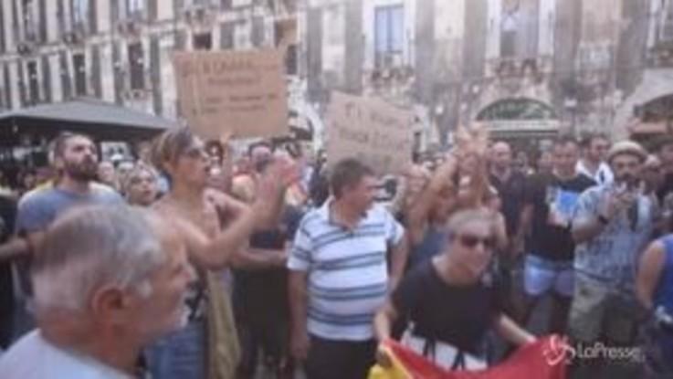 "Salvini contestato a Catania: ""Buffone, buffone"""