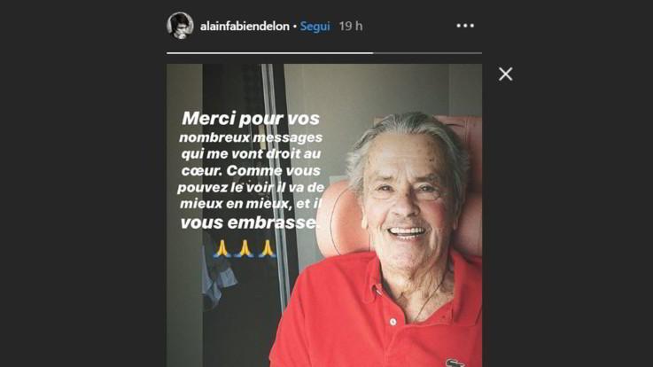 Alain Delon sorridente e sereno: il figlio pubblica foto dopo l'ictus