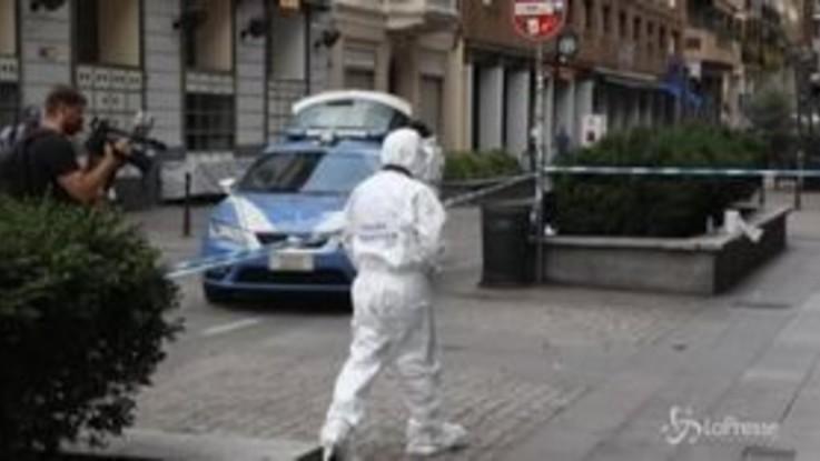 Milano, donna ferita gravemente da un passante con un coccio di vetro