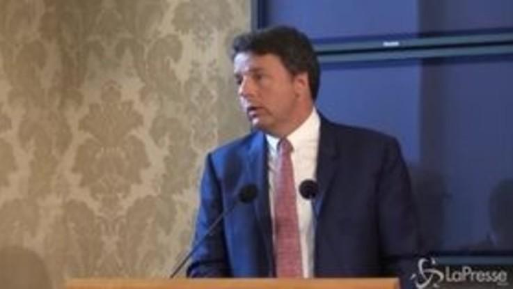 """Crisi governo, Renzi: """"Salvini si dimetta e torni ai mojito"""""""