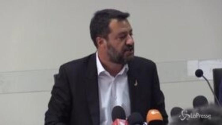 Crisi di governo, le bordate di Salvini a Conte e M5s