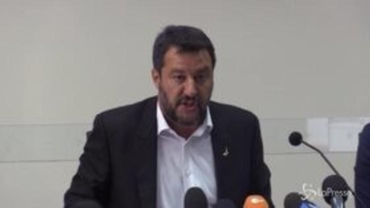 """Immigrazione, Salvini: """"Altro che ossessione, con me calo dell'80%"""""""