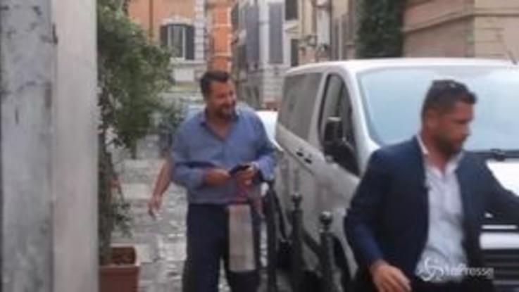 """Governo, M5S contro Salvini: """"Parla da ministro di quale governo?"""""""